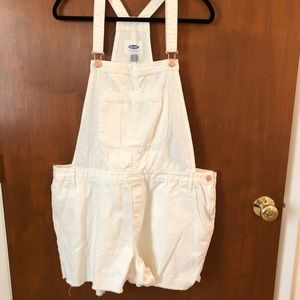Old Navy overall shorts; sizeXL